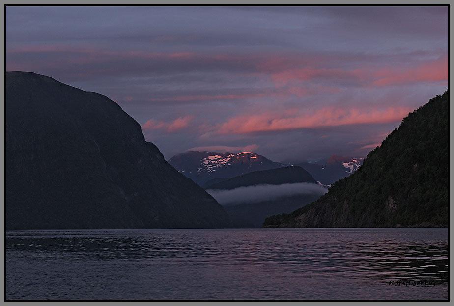 Sonnenuntergang am Romsdalfjord